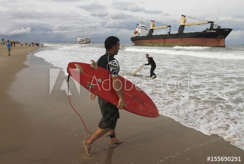 Naufrage cargos Valence sept 2012